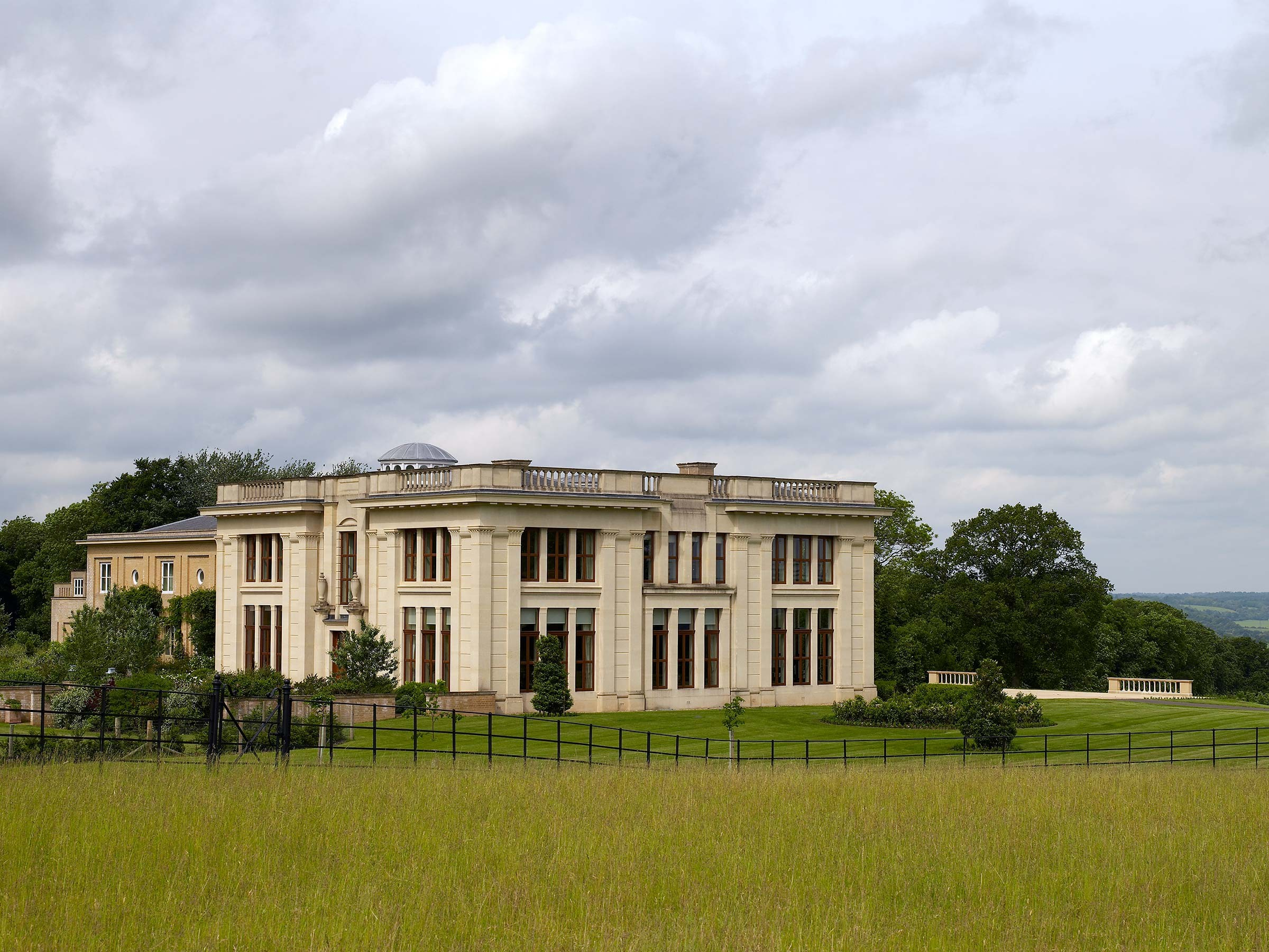 Groundbreaking country house, Hampshire