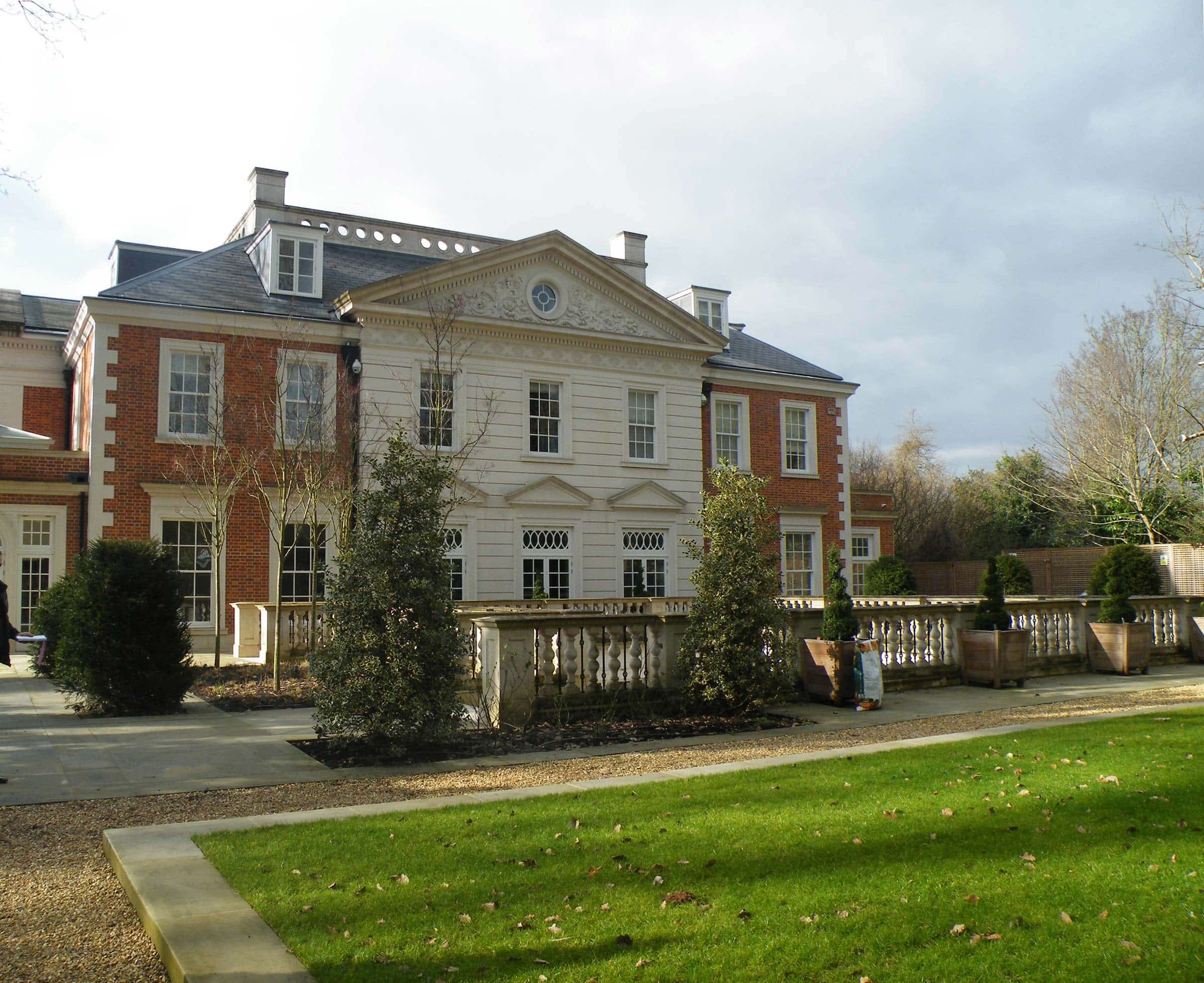 New Classical villa in London Conservation area