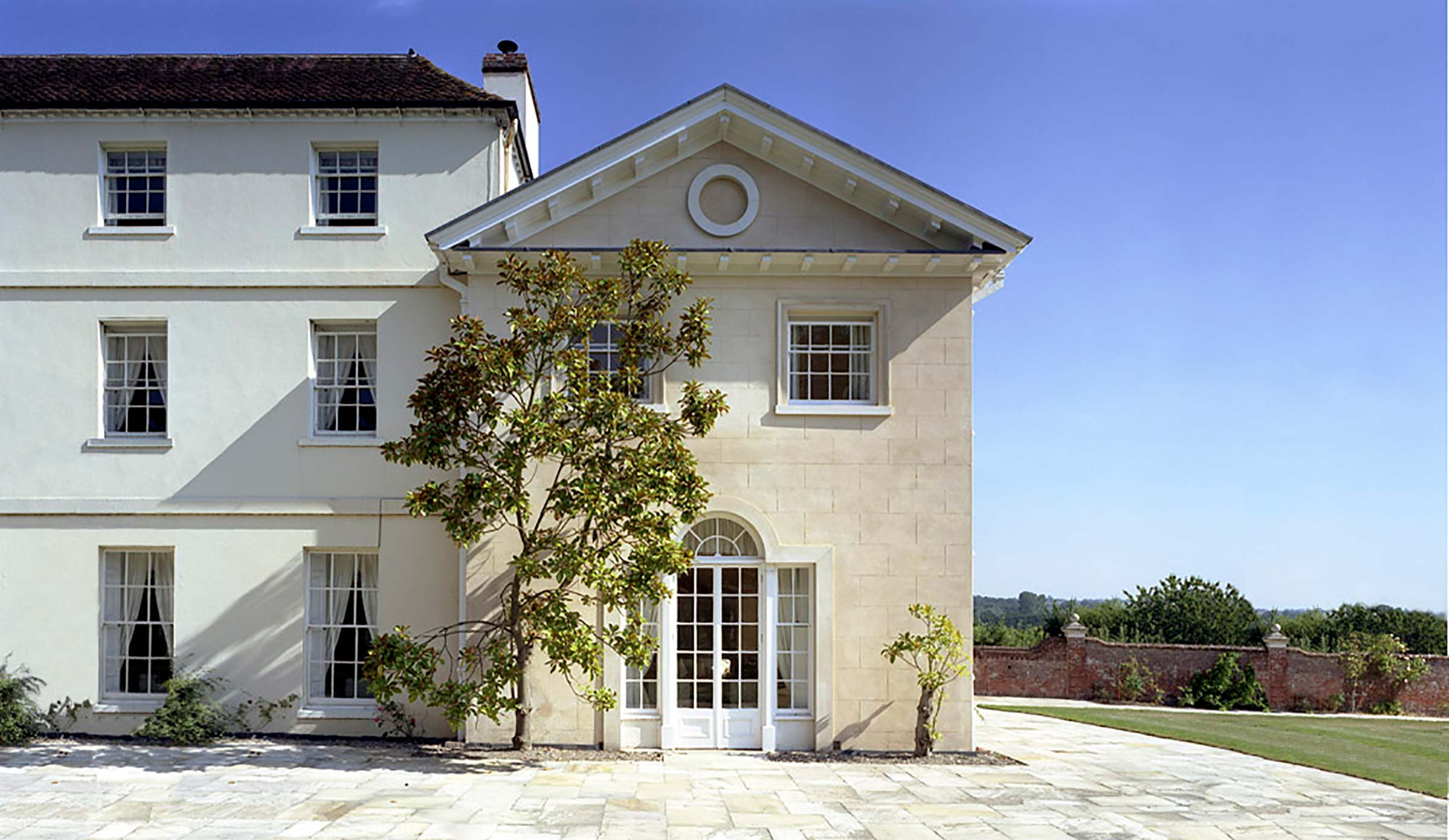 Extension & consolidation of Georgian house in Hampshire